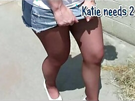 female-femdom-pantyhose-peeing-shower