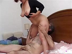 family-husband-italian-mom-woman