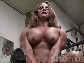 cougar-female-femdom-muscle-sexy